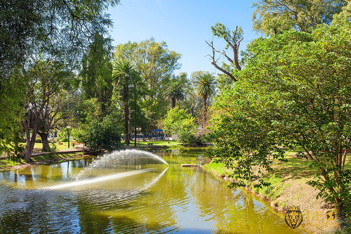 Popular Sights - Sarmiento Park - public park in Cordoba, Argentina
