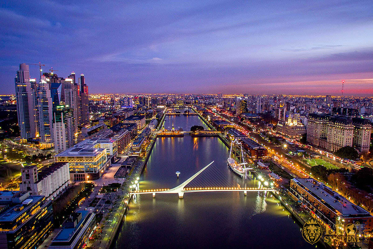 Visit Buenos Aires at night – River view