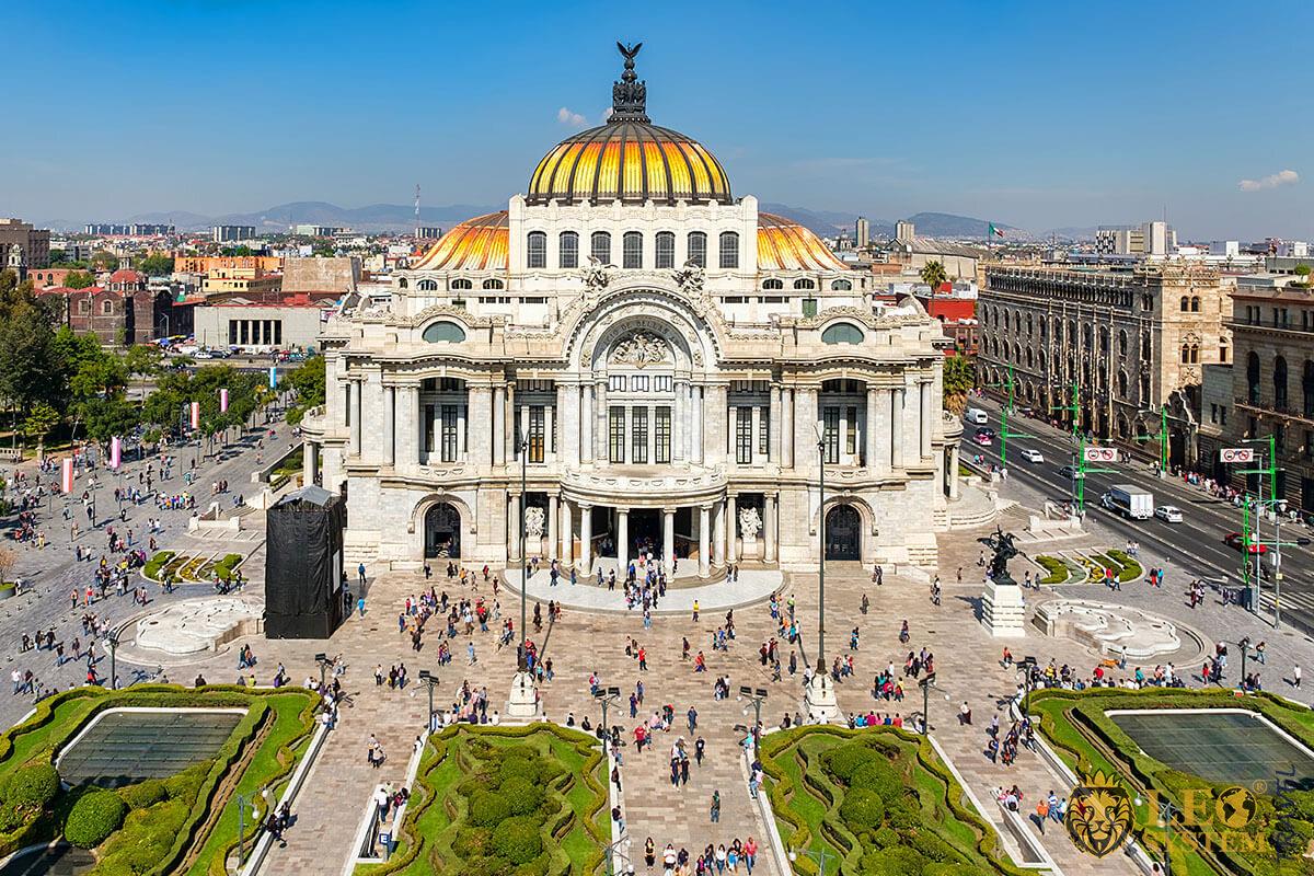 The Palacio de Bellas Artes in Mexico City