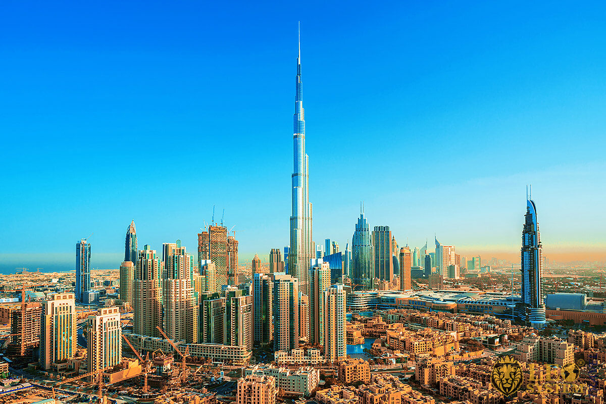 Image of a very tall building - Burj Khalifa