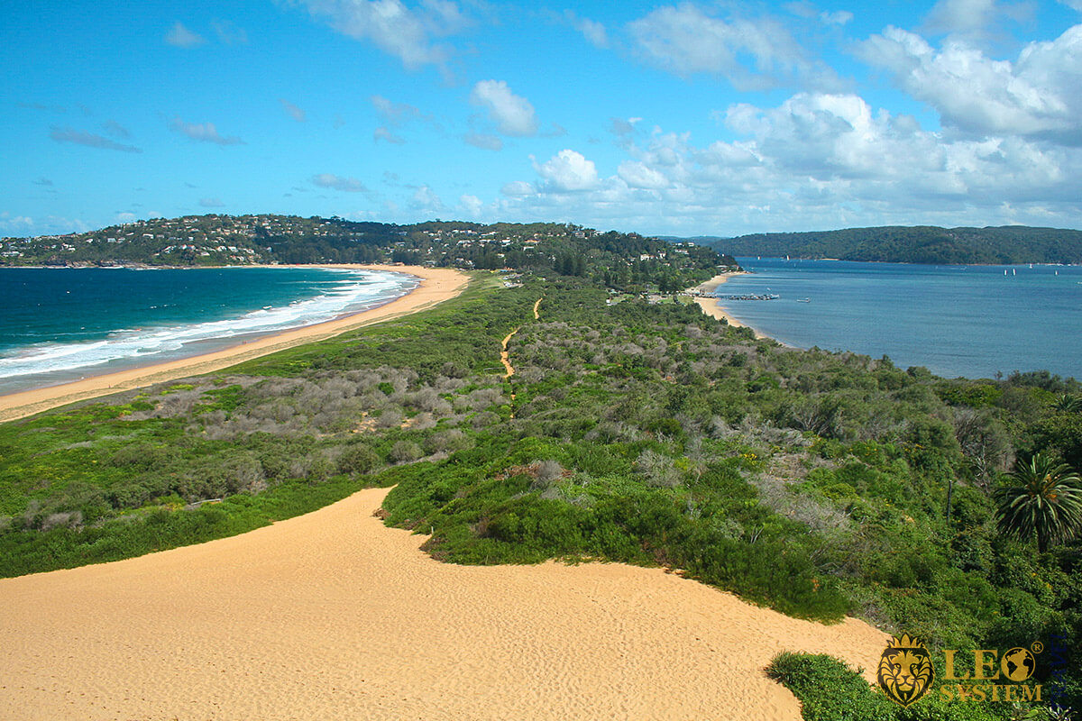 Palm Beach - peninsula with surf on one side and tranquil water on the other, Sydney