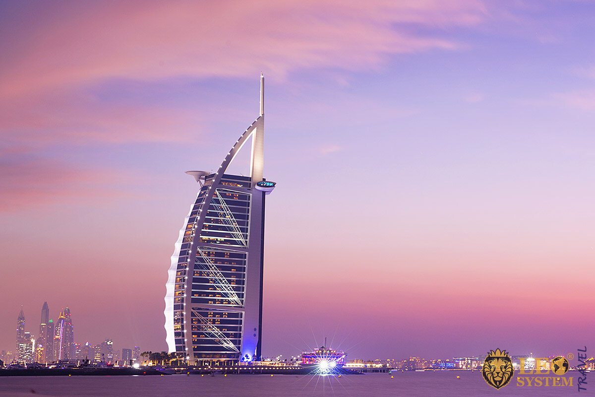 Image of the first 7 star hotel in the world - Burj Al Arab Hotel