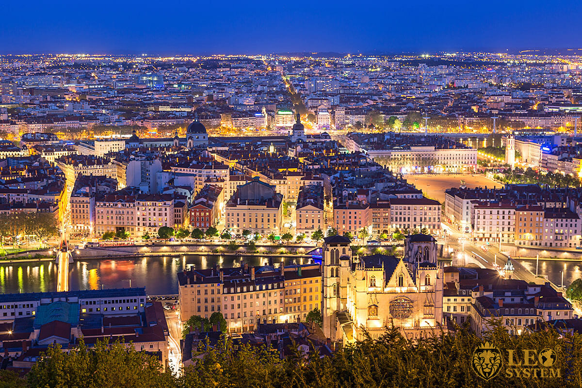 Lovely night view of the city of Lyon