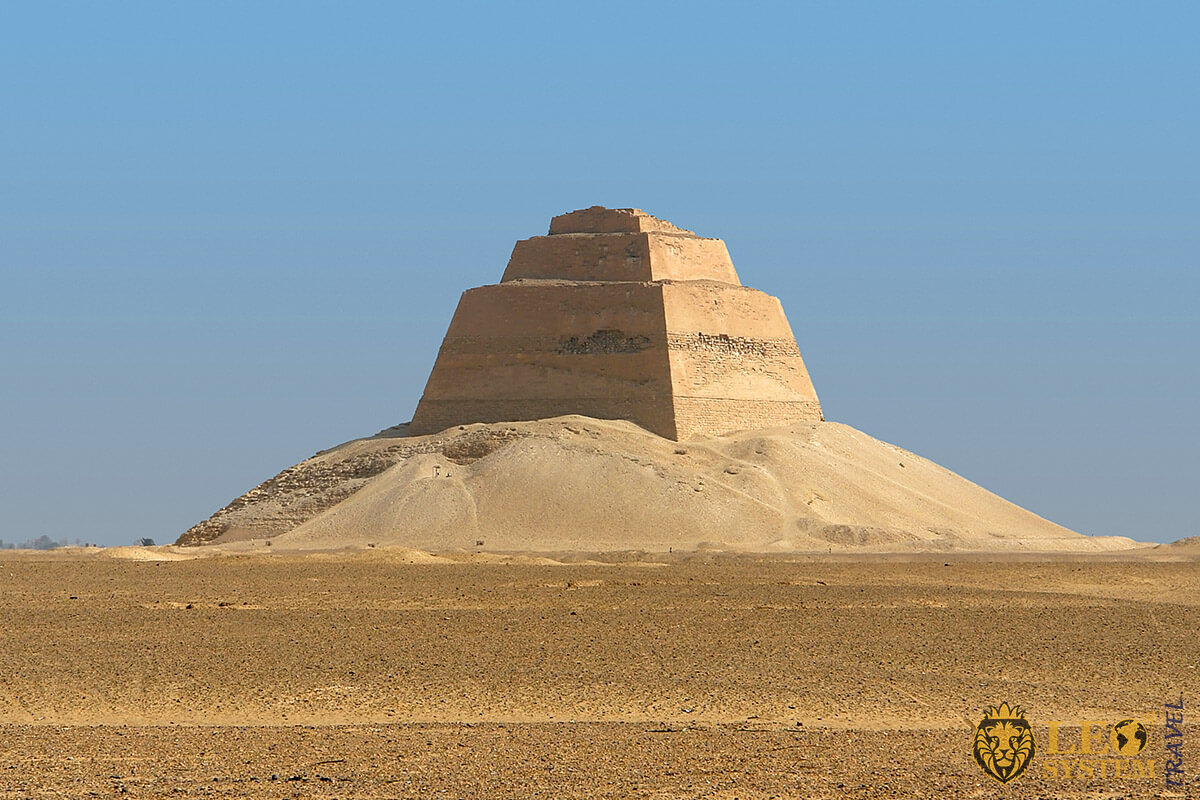 Image of the Pyramid of Meidum