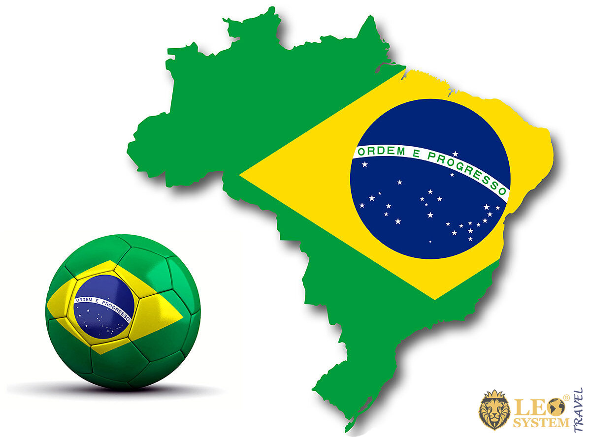 Image of the Brazilian flag in the form of a map and a soccer ball
