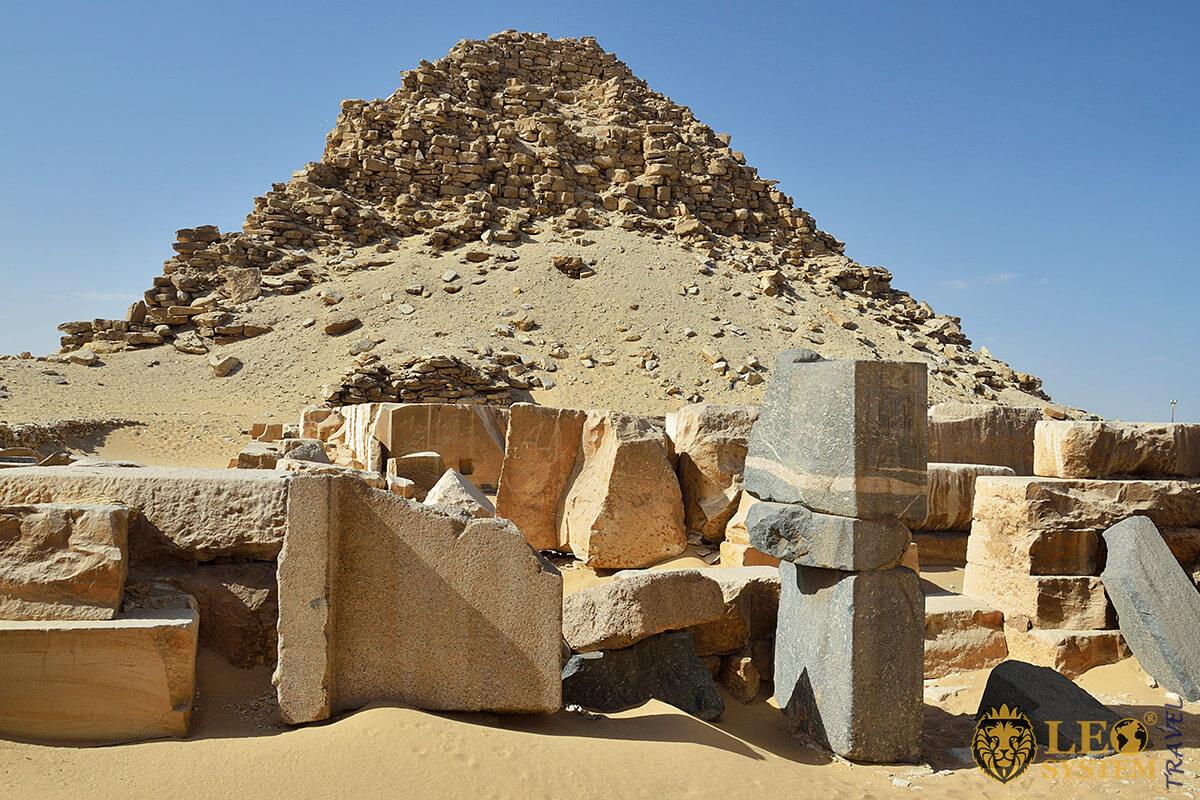 Panoramic view of the Pyramid of Sahure