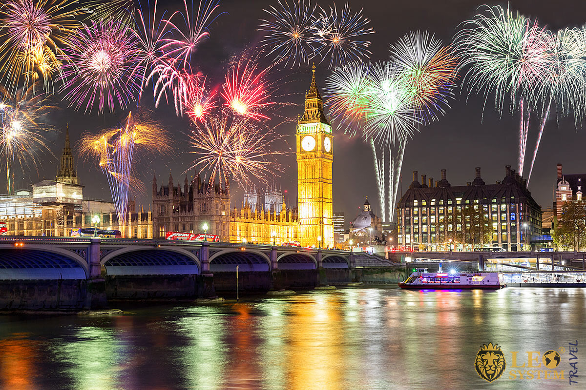 View of the fireworks in the United Kingdom - Bonfire Night