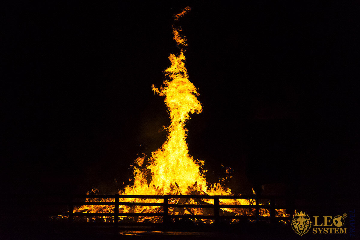 Image of a high flame fire at an event - Bonfire Night, United Kingdom
