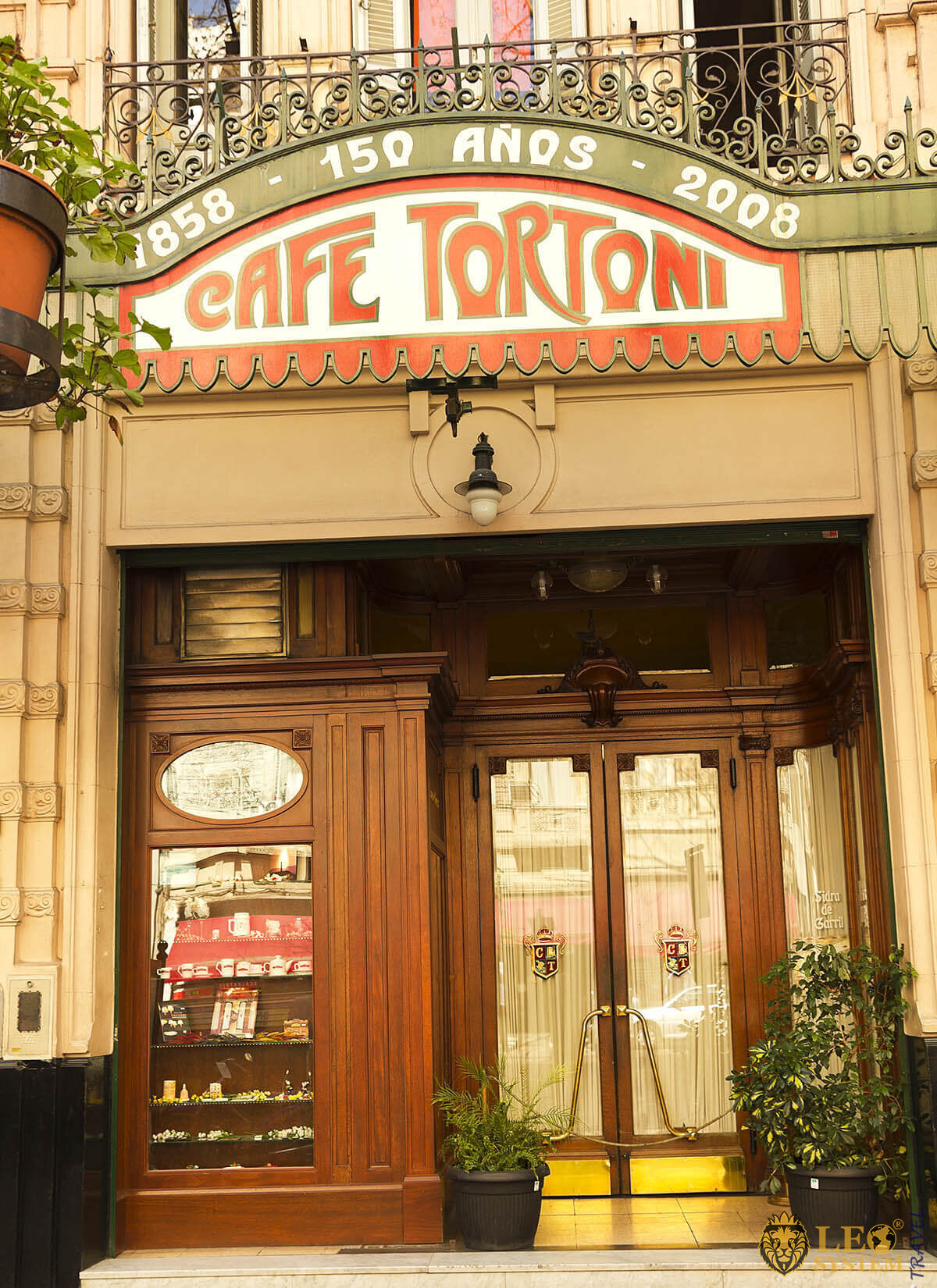 Café Tortoni - well-known cafe in Buenos Aires