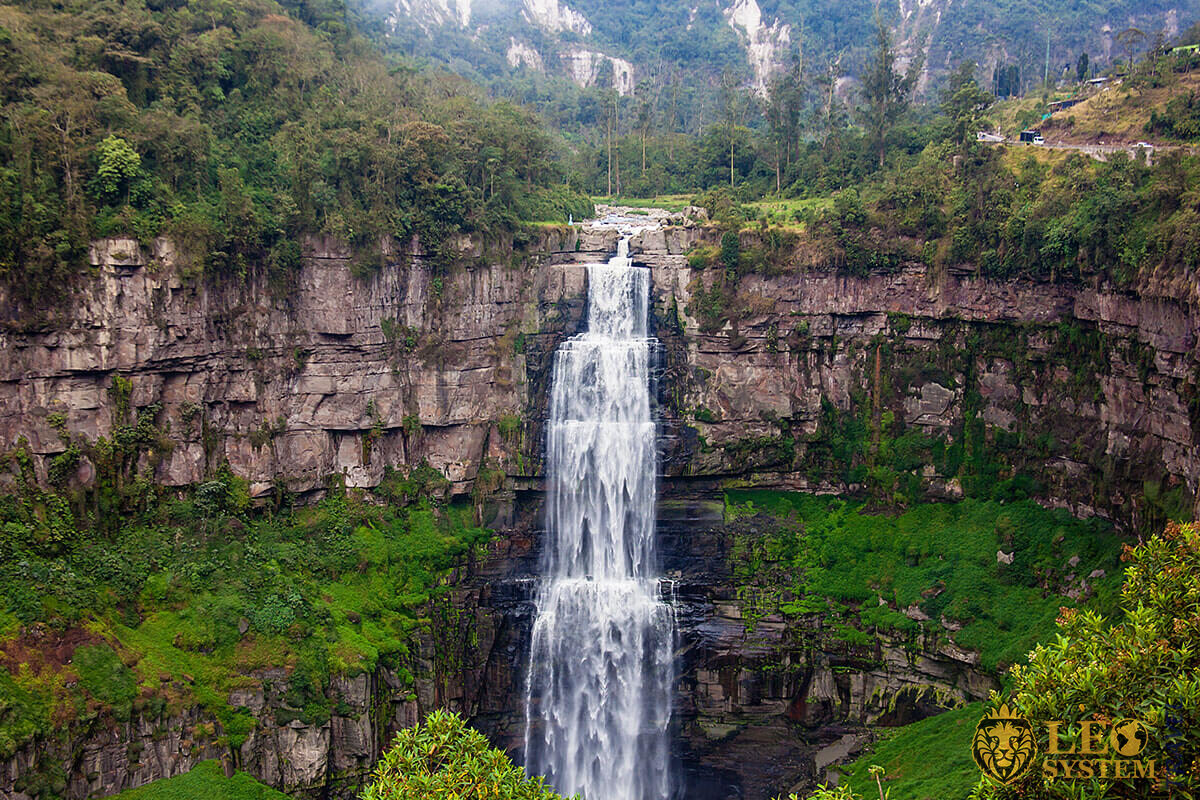 Image of the famous waterfall in Soacha, Colombia
