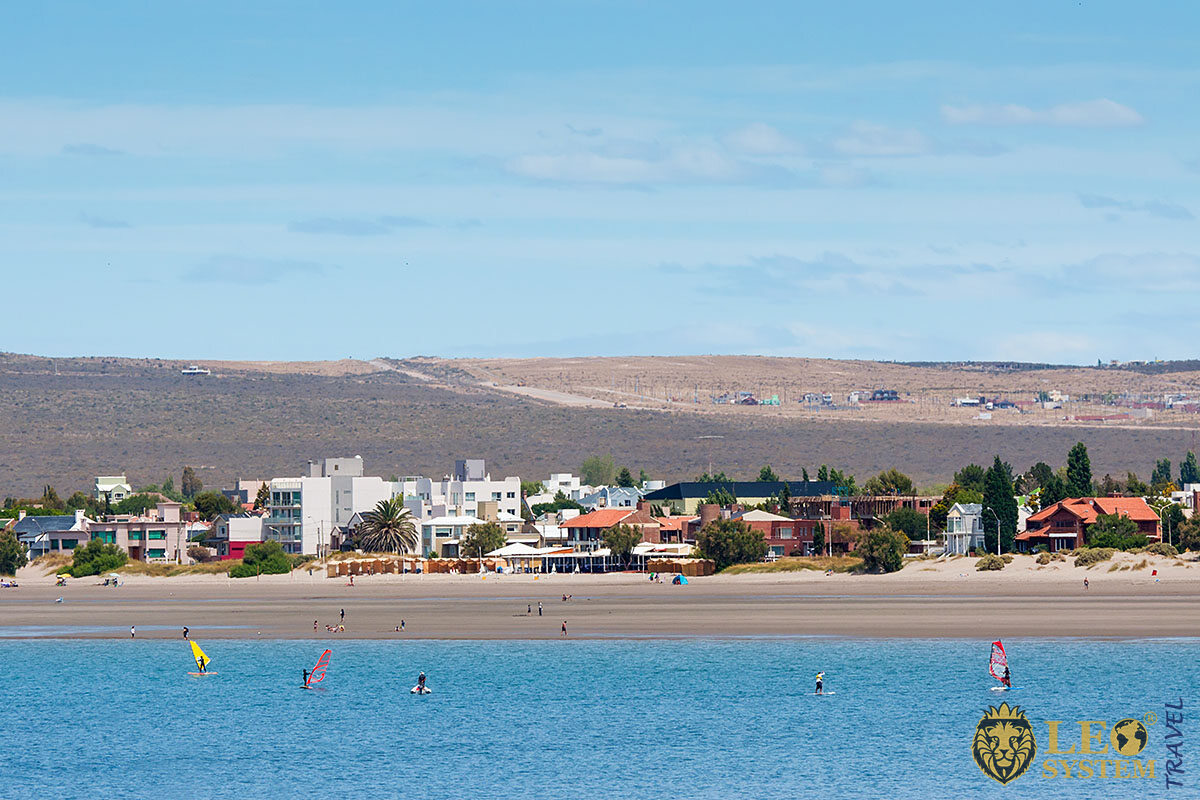 Image of a beach in Puerto Madryn, Argentina