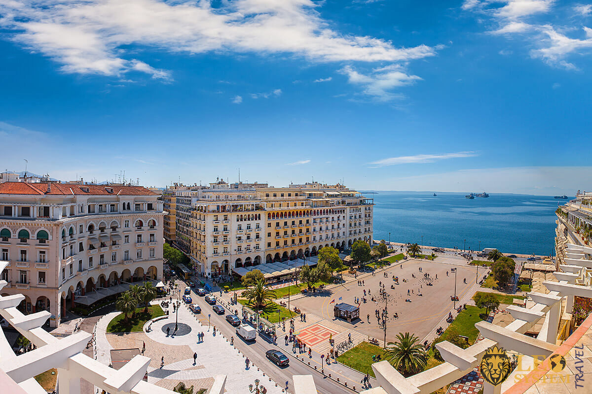 Superb panoramic view of the Aristotelous Square, Thessaloniki