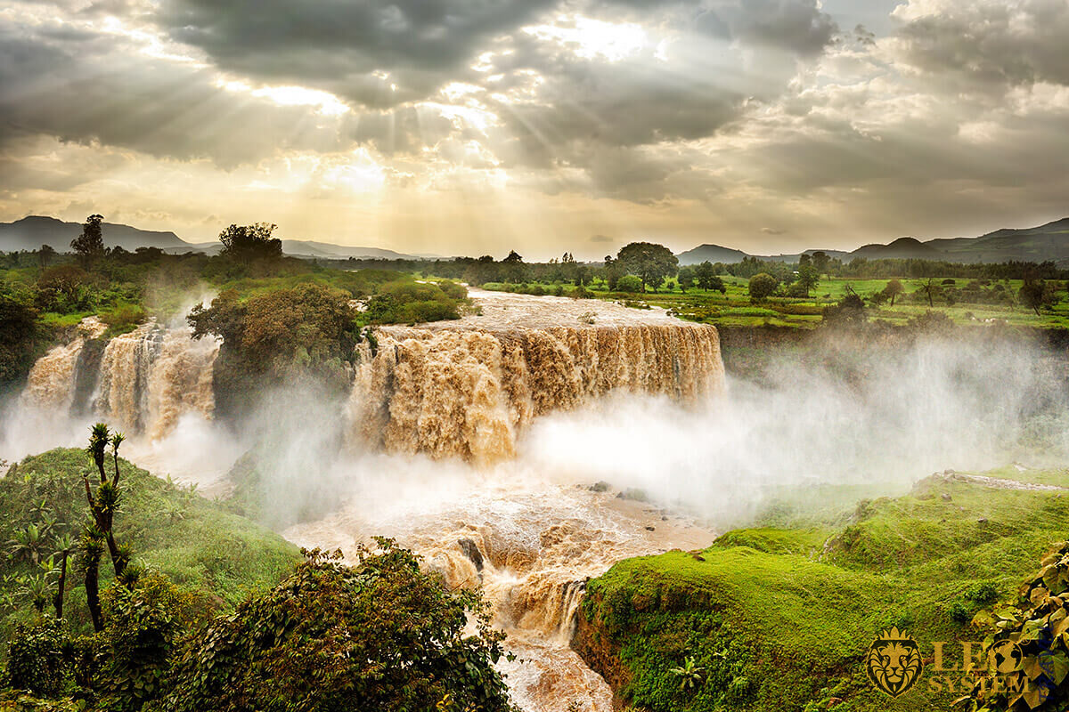 Panoramic view of the magnificent Nile River waterfalls