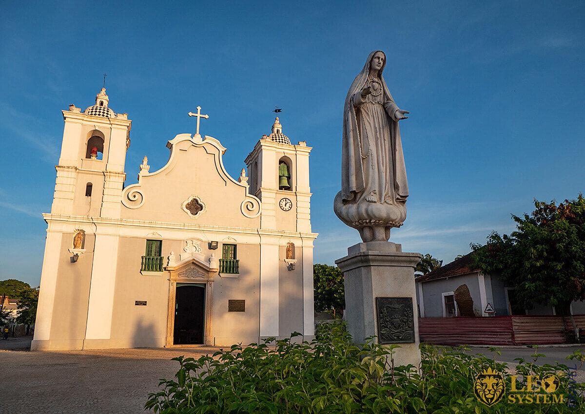 View of the Church Igreja Nossa Senhora do Populo, Benguela, Angola