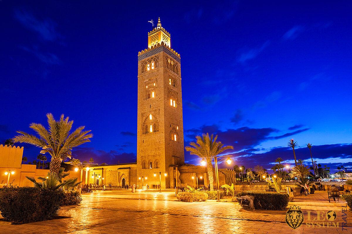 Night view of the Kutubiyya Mosque, city of Marrakesh