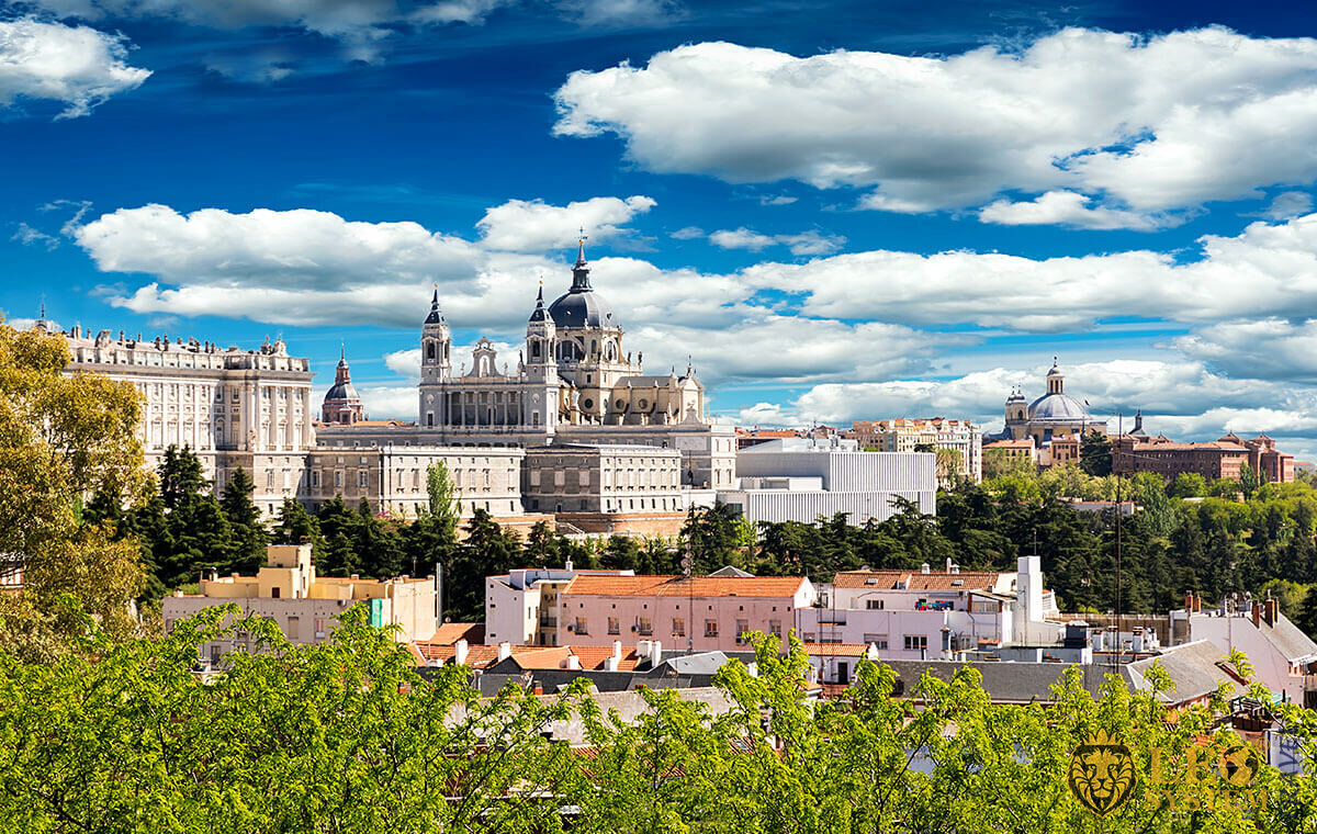Magnificent view of the city and building in Madrid