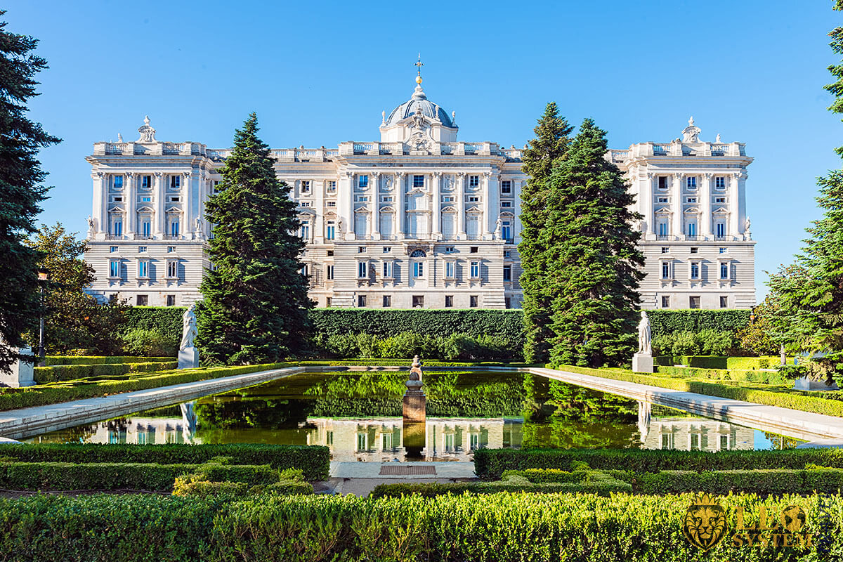 Image of the popular landmark the Royal Palace in Madrid, Spain