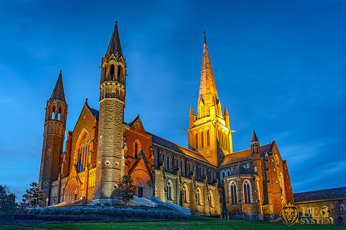 Night view of the Sacred Heart Cathedral, city of Bendigo, Australia