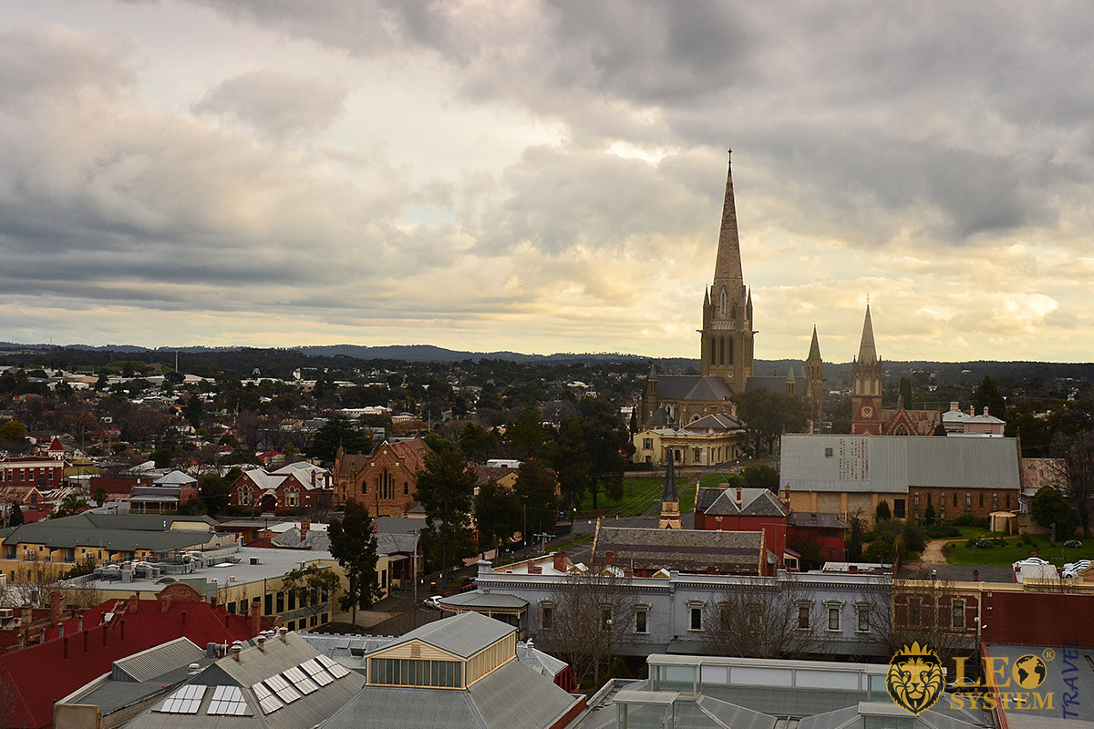 Evening view of the streets and houses in Bendigo, Australia
