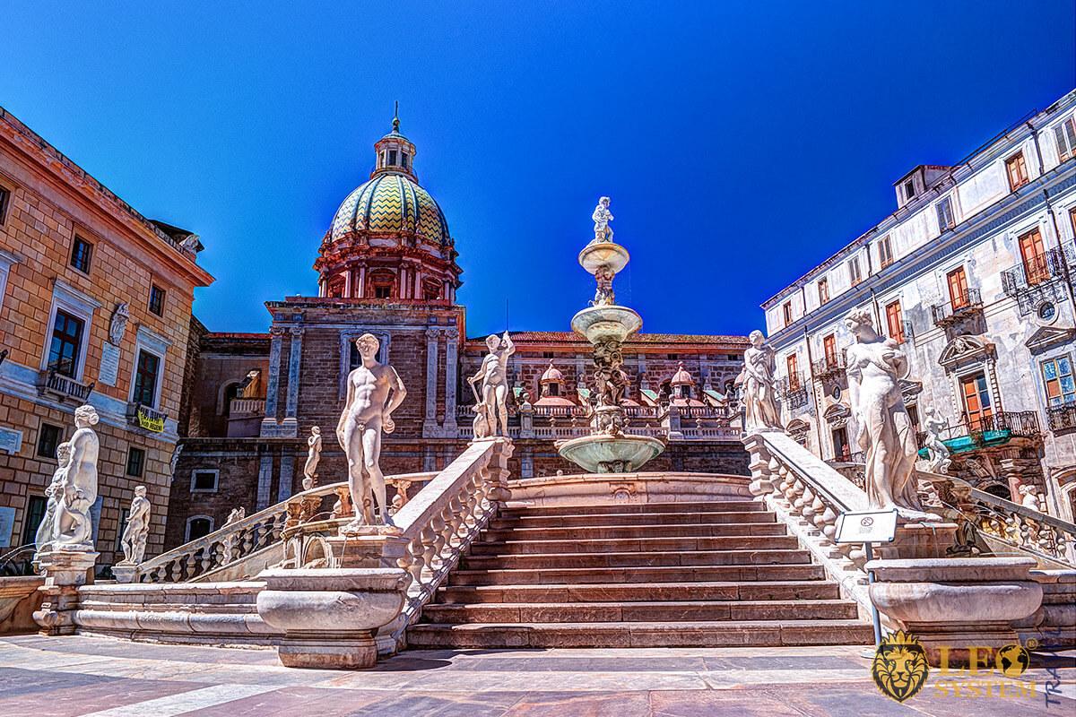 Image of the famous Praetorian Fountain, Palermo, Italy