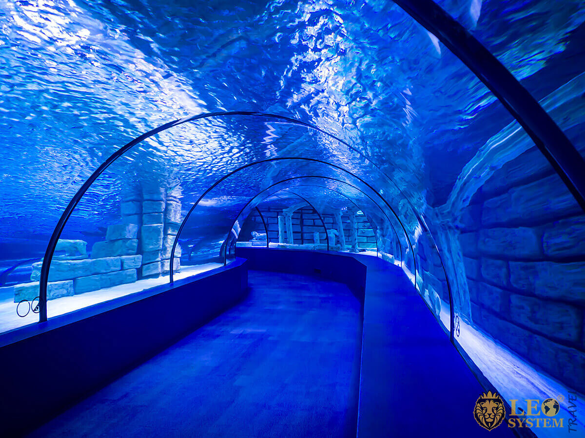 Image of the large Antalya Aquarium, Turkey
