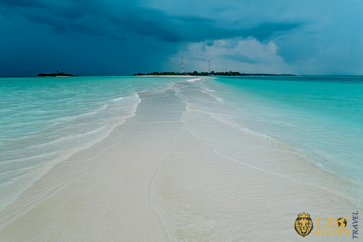 Amazing evening views of the beach and ocean, Kuramathi, Maldives