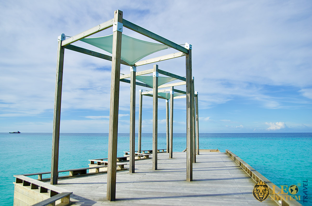 View of the Indian Ocean and blue sky, island of Kuramathi