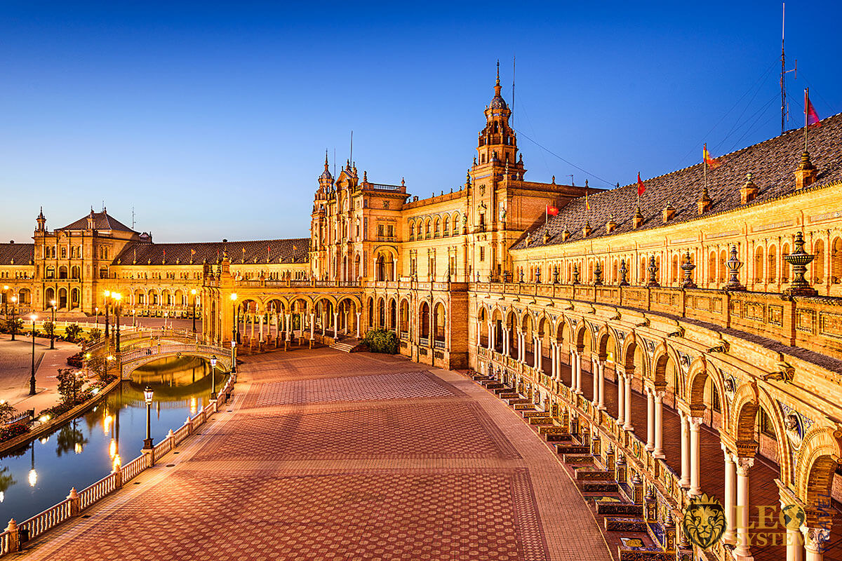 Wonderful evening view of Plaza de Espana, city of Seville