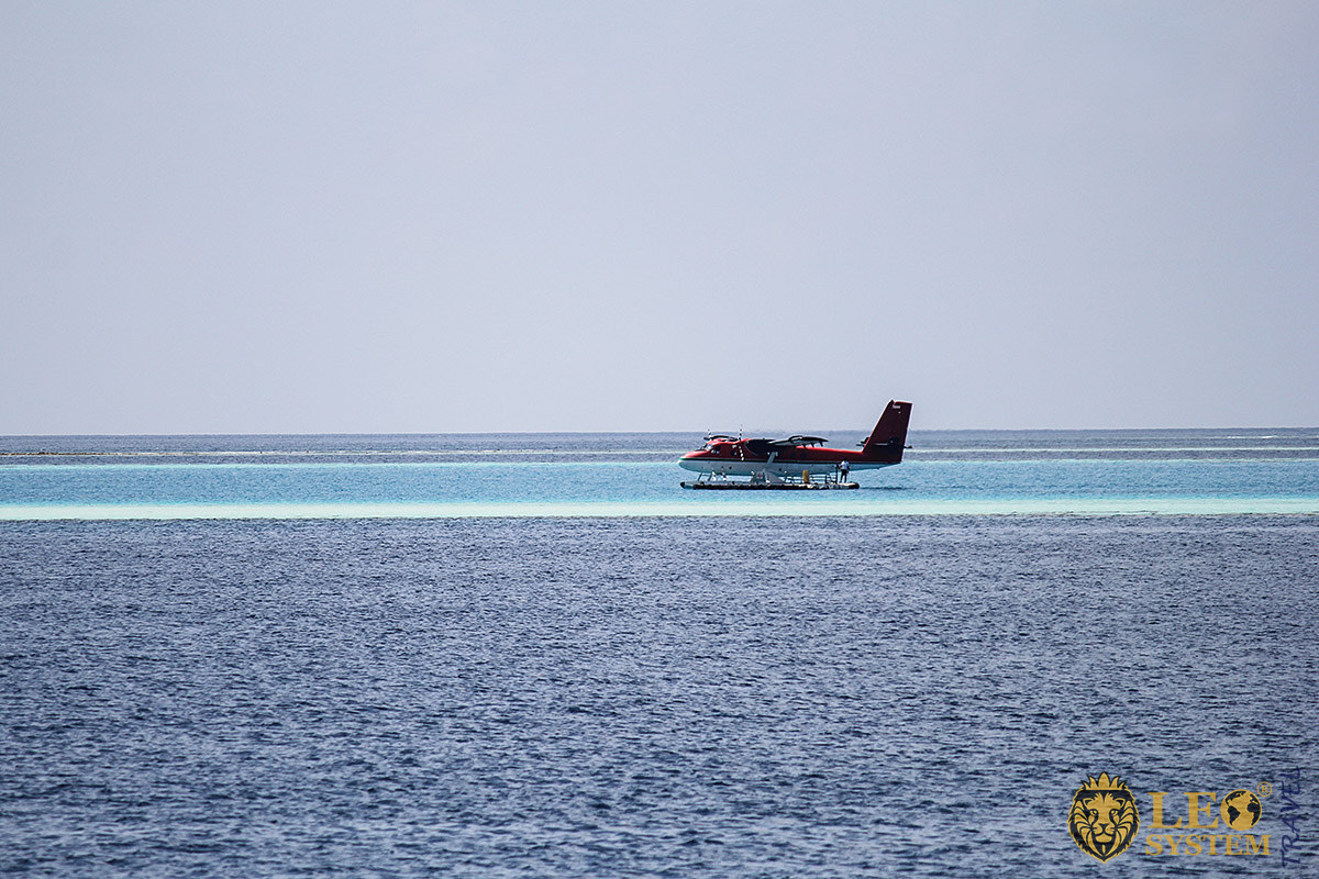 Image of a seaplane taking off from Vilamendhoo Island, Maldives