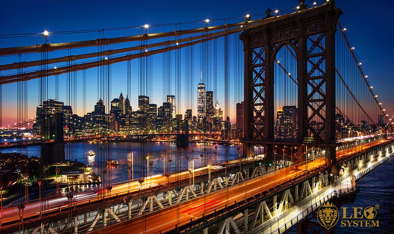 Evening view of Brooklyn Bridge, New York City, USA