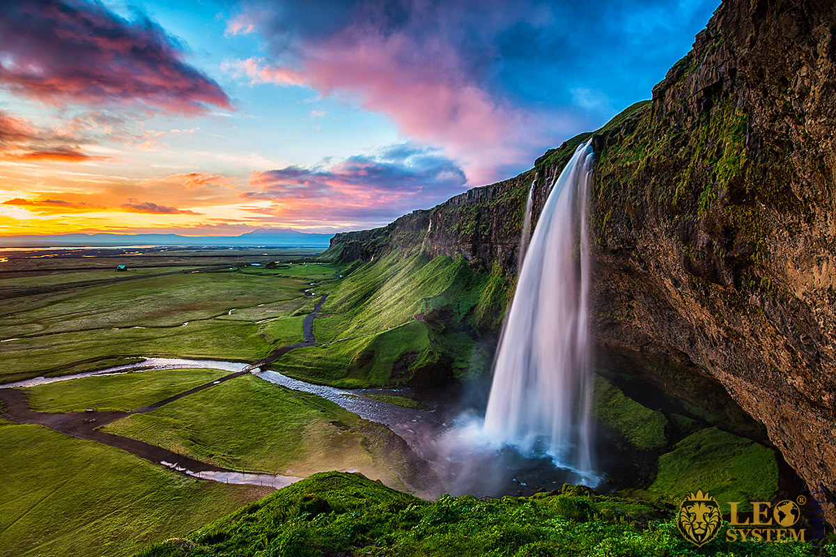 Stunning view of the Waterfall Seljalandsfoss, Iceland